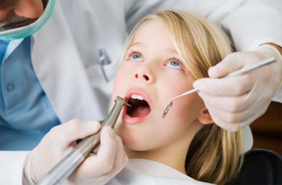 مهندس امیر مسعودی از دورس دوره دبیرستان ، موثر در رشته پرستاری دندانپزشکی میگوید